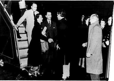 Arrival of the inaugural flight at London Airport. Mr B.W Figgins, then General Manager\; Mr & Mrs J.R.D. Tata\; Mr V.K. Krishna Menon, then High Commissioner for India in the UK\; and Sir Fredrick James, then Managing Director Tata Ltd London.