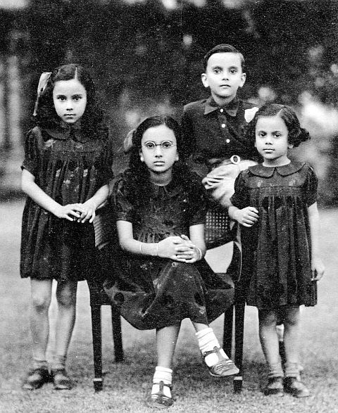 Young Sadona and siblings