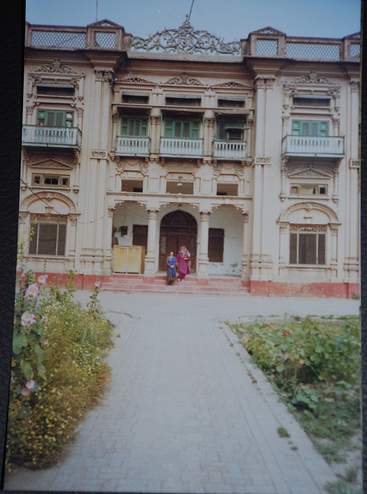 Bhatla family home in Rawalpindi, 1999