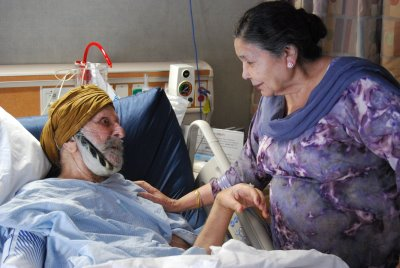 Captain Gurdial Singh with his wife Joginder Kaur in the Hospital. October 2008.