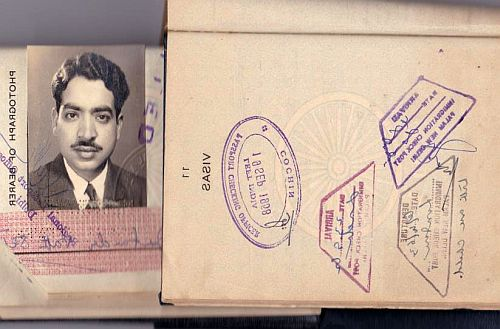 Passport Jatinder Sethi, showing departure date 1958 and various visas